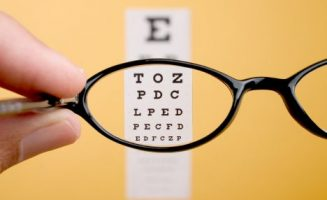 Minden második évben végeztessen látásvizsgálatot, feltéve, hogy az orvos nem javasolja gyakrabban.